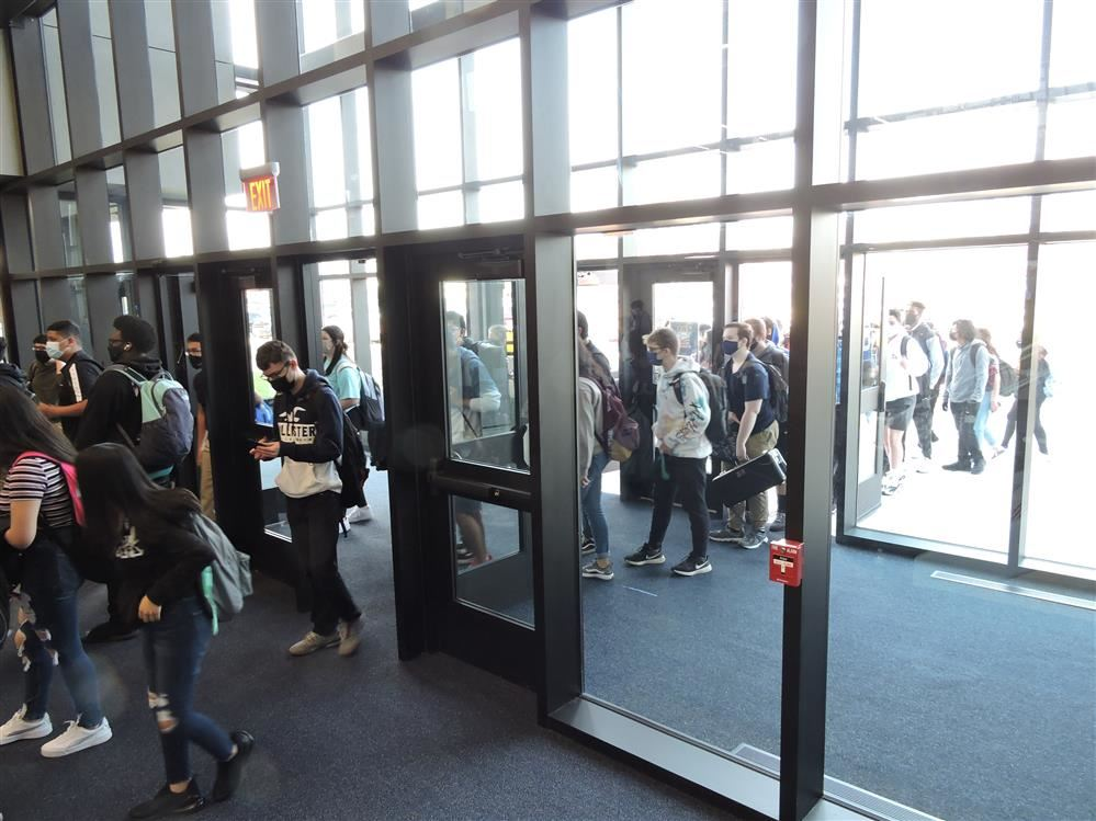 WCCHS students entering school through Entrance B.