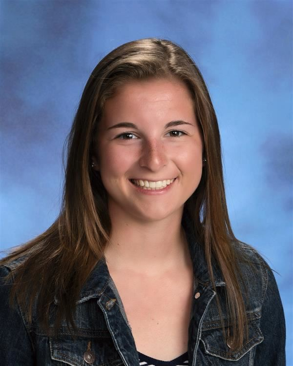 Madelyn Brotnow is April Student of the Month